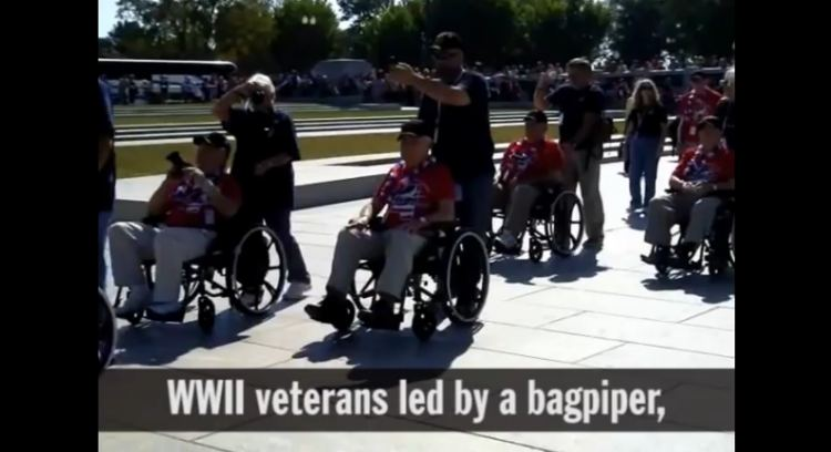 WWII vets storming the WWII Memorial barricades youtube screenshot